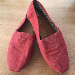 TOMS Shoes - Excellent red TOMS!