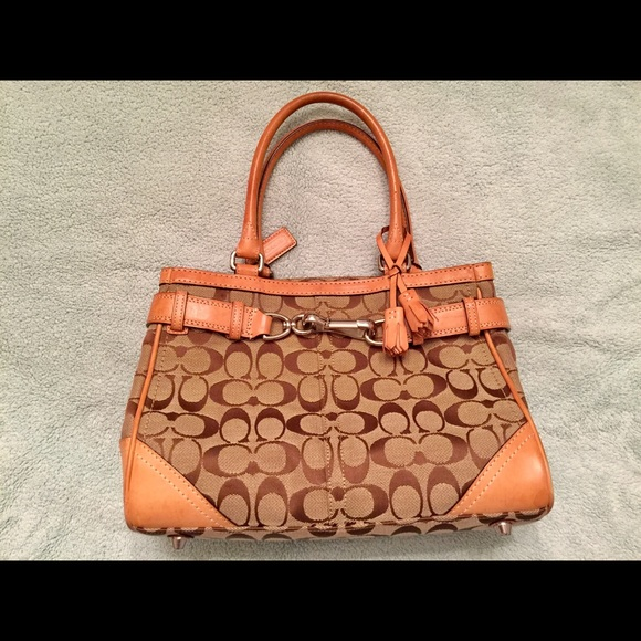 645d96950f5d COACH Leather HAMPTON Satchel Tote Bag NoE05J-8K06