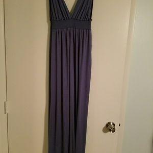 Lulu Dresses & Skirts - Purple deep neck maxi dress.