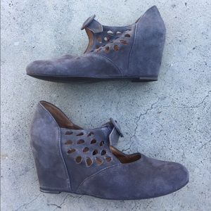 Jeffrey Campbell Shoes - Jeffrey Campbell TORCH Gray Suede Wedges sz 6.5