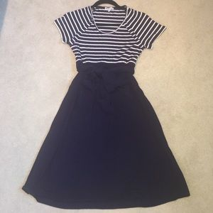 Momo Maternity Dresses & Skirts - ‼️SALE‼️Navy belted Maternity dress size S