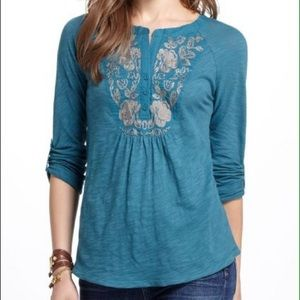 ANTHROPOLOGIE Turquoise Embroidered Peasant Tee