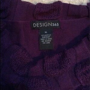 Design 365 Sweaters - Woman's Design 365 cowl neck sweater.