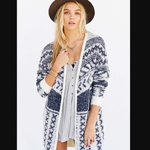 Anthropologie Ecote Cabin Fever Cardigan in Blue.