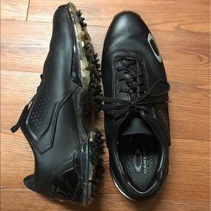 Oakley golf shoes black size 11