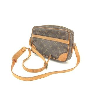 Louis Vuitton Handbags - AUTH Loui Vuitton Trocadero Crossbody