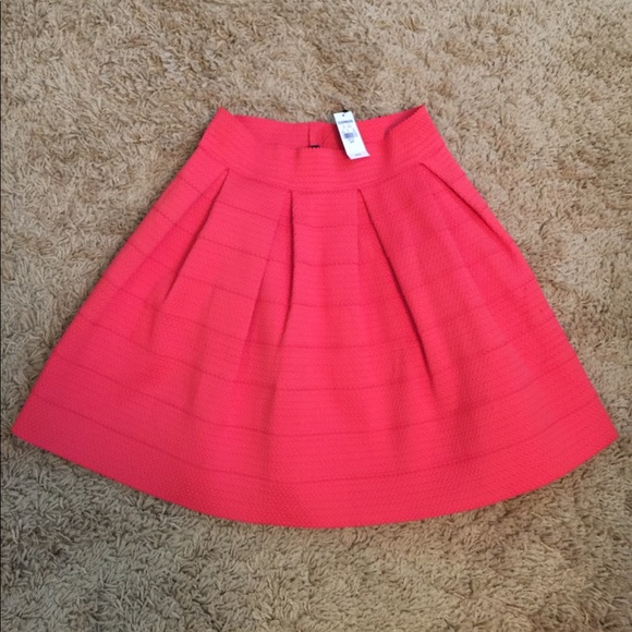 75 express dresses skirts nwt express coral a