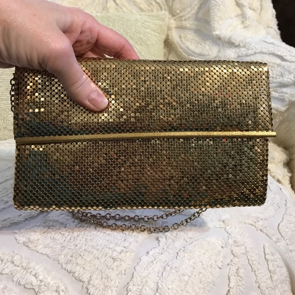 single women over 50 in whiting Buy whiting & davis women's metallic studded boxy crossbody bag,  we check over 450 stores daily and we last saw this product for $ 115 at  single chain strap.