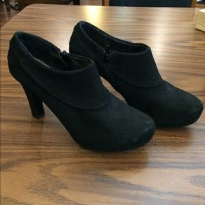 me too Shoes - Black platform heels