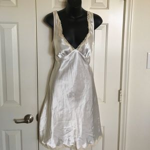 Victoria's Secret Size L Nightgown