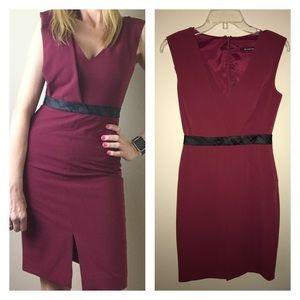 Black Halo Dresses & Skirts - Black Halo Sheath Dress Size 2