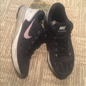 Nike Shoes - NIKE black Lunarglide running sneakers woman