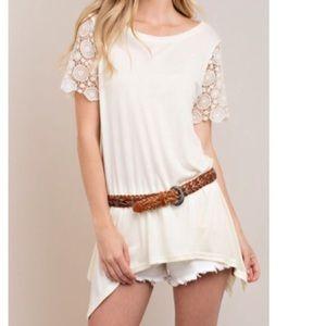 🆕 lace sleeve tunic