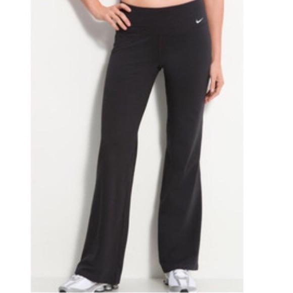 872cb7eaaadfb7 Nike Dri Fit Yoga Pant Flare Fit EUC Sz Medium. M_590b9f37d14d7b06f0010091