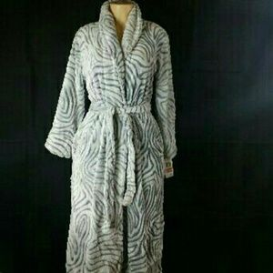 Charter Club Women's Soft zebra bathrobe