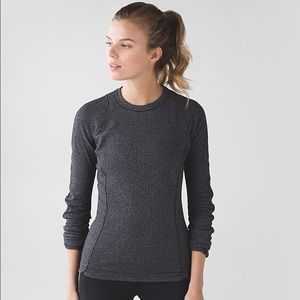 Lululemon Gray Herringbone Long Sleeve Top
