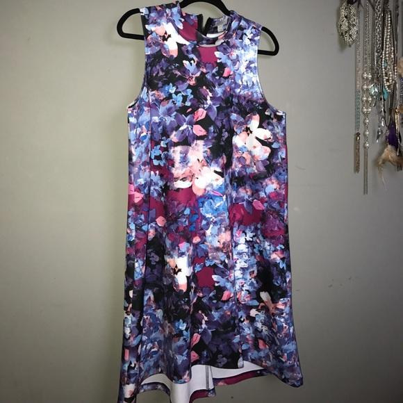 Dresses & Skirts - Beautiful Floral Dress. 