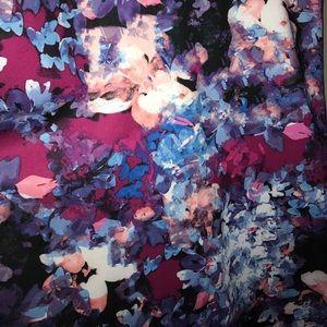 Dresses - Beautiful Floral Dress. 