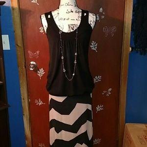 Dresses & Skirts - Black and tan striped maxi skirt size L