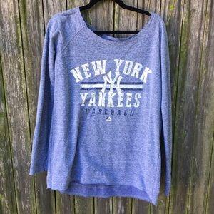 Majestic Tops - Yankees Sweatshirt Oversized