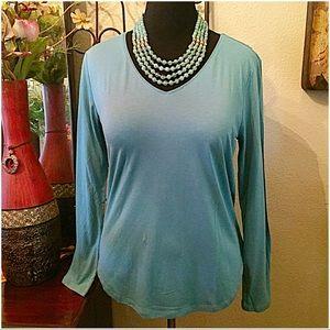 Ann Taylor Tops - 30% OFF BUNDLES✨Ann Taylor Long Sleeve V-neck Top✨