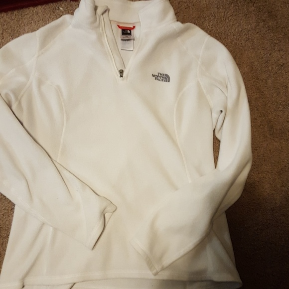 56 off north face tops the north face white pull over. Black Bedroom Furniture Sets. Home Design Ideas