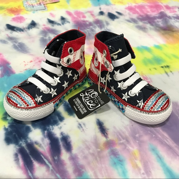dbc652ccee53 NWT Converse ⚡ ⚡️SALE Red White Blue Bling Size 4