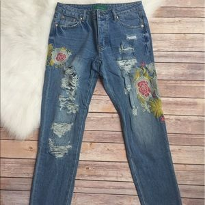 Gypsy Los Angeles Denim - Floral Embroidered Distressed Jeans