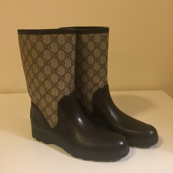 6a1a95b736e6 Gucci Shoes - Gucci GG Supreme Rain Boot