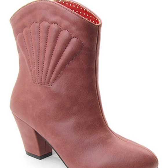 b.a.i.t. Footwear Shoes - B.A.I.T. Footwear Mauve Boot