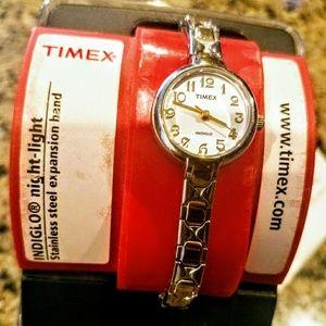 Timex Jewelry - 🎈🎁 Timex Indiglo Watch👌⌚