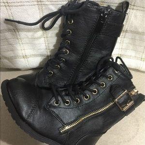 Link Other - Link: Girls black boots