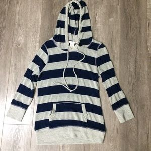 timing Sweaters - Gray and navy hooded sweater size L