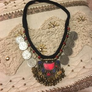 Jewelry - Vintage tribal necklace