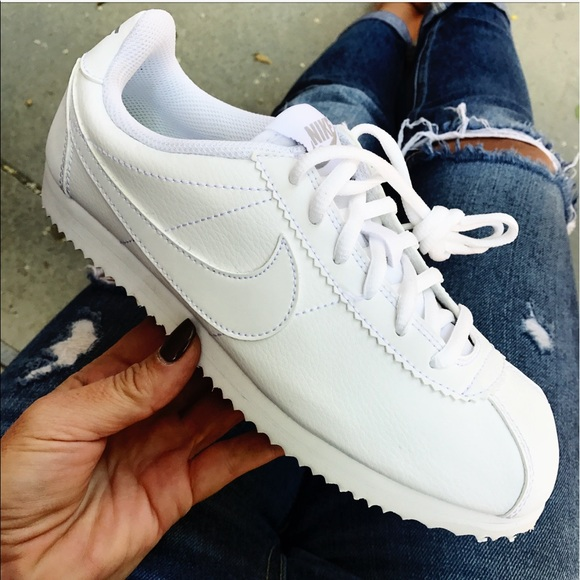 e026c327dfd9 NWB 👟 NIKE CORTEZ TRIPLE WHITE LEATHER YOUTH