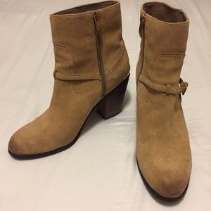 Vince Camuto Camel Booties Size 8.5