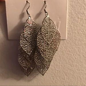Silver light weight leaf drop earrings