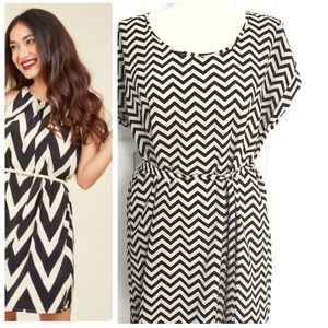 Hippie Rose Dresses & Skirts - Hippie Rose Black & Cream Chevron Dress