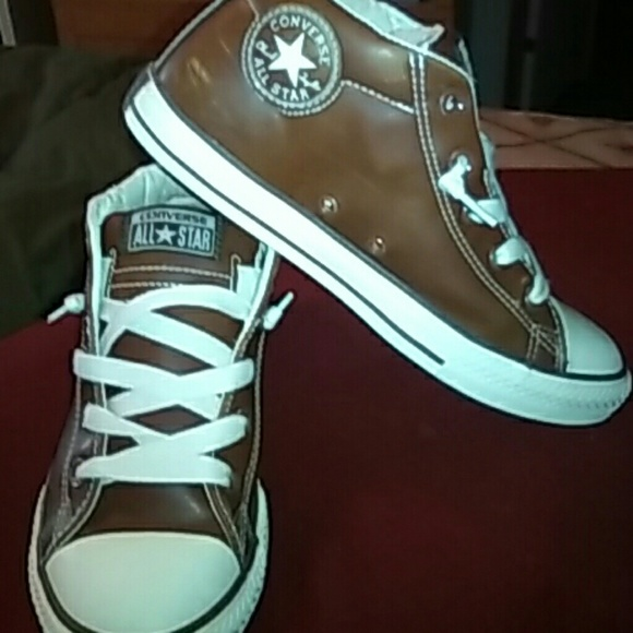 4bf5f5b50805 Converse Other - Convert All Star boys high top tennis shoes
