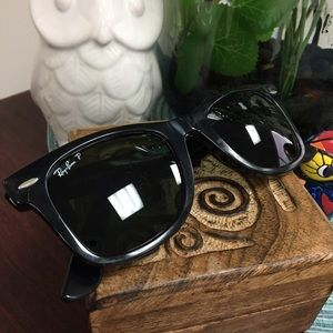 Ray-Ban Accessories - Authentic Polarized Ray-Ban Classic Wayfarers 😎