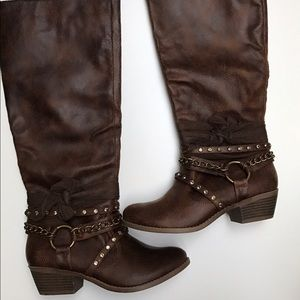 Not Rated Shoes - NIB Not Rated Tuts Up Tan Boots Size 7.5
