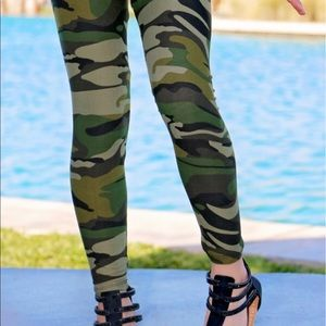 Other - NEW! Kids/girls cammo leggings