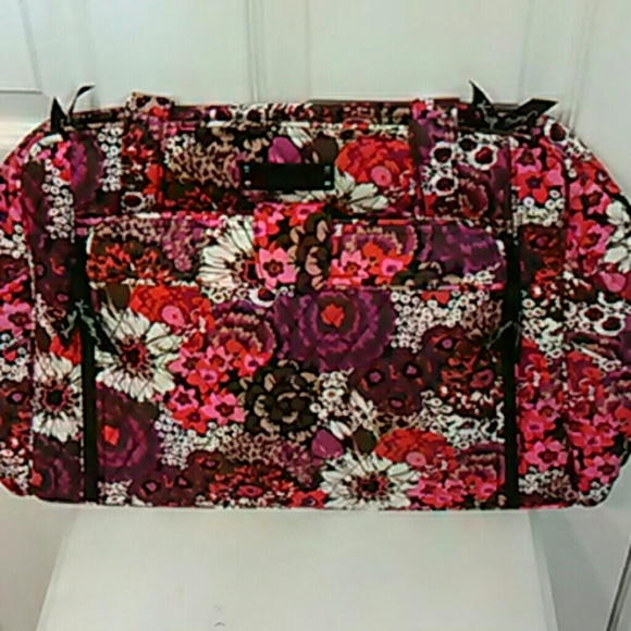49 off vera bradley handbags baby diaper bag vera bradley nwt from susan 39 s closet on poshmark. Black Bedroom Furniture Sets. Home Design Ideas