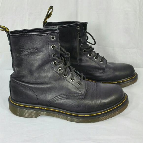 66 off dr martens shoes doc martens black leather. Black Bedroom Furniture Sets. Home Design Ideas