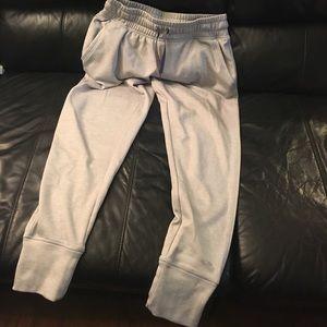 Sweatpants, long grey, cuffed ankle
