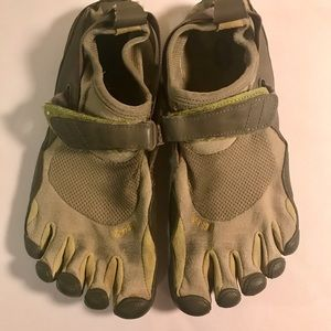 Vibram Shoes - Vibram Five Fingers KSO women's 39
