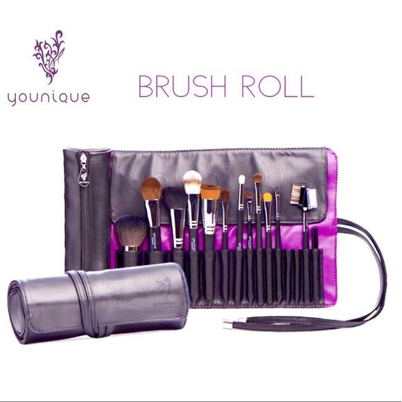 4d638d0742 NIB Younique Cosmetic Brush Roll