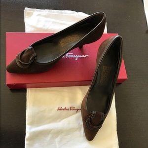 Ferragamo never worn Rasia Fondente suede heels