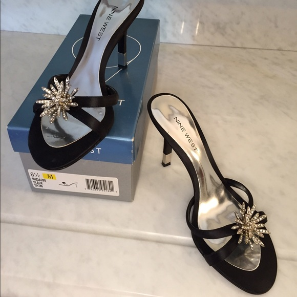 49e7e6712ce GUC Nine West Kitten heels with satin   Swarovski.  M 590cab627f0a059ad200a2ad