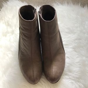 Vince Camuto Booties Size 7